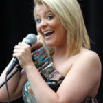 Lauren Alaina Returns to 'American Idol' Stage for 'Barefoot and Buckwild'