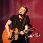 Hunter Hayes Performs 'Invisible' at the Grammys 2014