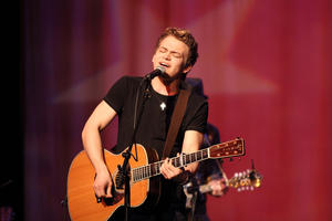 Hunter-Hayes-8801