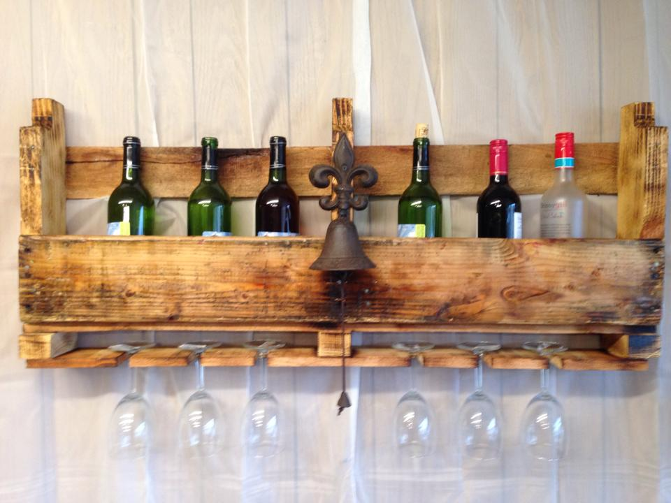 Making pallet wine racks for your home according 2 mandy for How to make a wine rack out of pallet wood
