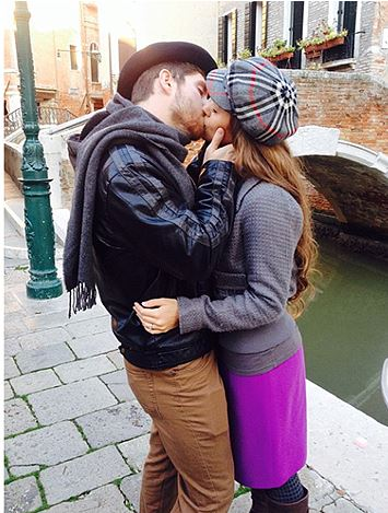 Jessa Duggar and Ben Seewald Share Honeymoon Kiss