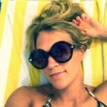 Carrie Underwood selfie: Country star shares 'lame' selfie on the beach