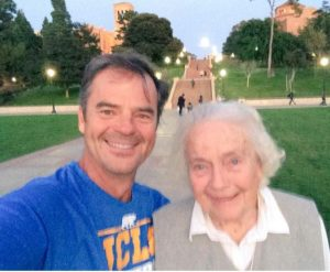 Wally Kurth and his mom (Twitter)
